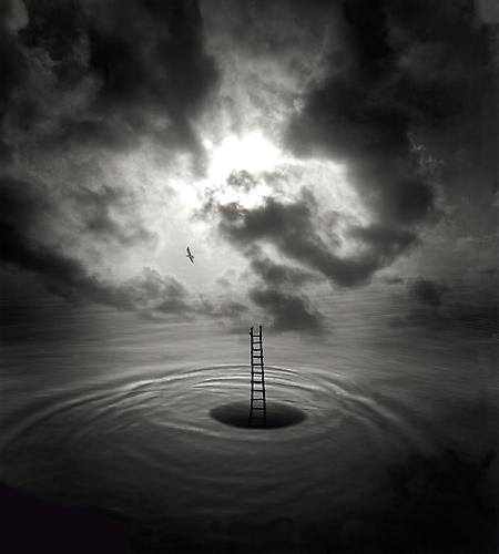 """""""Meditation and Mystery"""" JERRY UELSMANN Fonte:Peter Fetterman Gallery"""